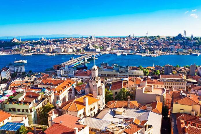 Egipt i Turcja przyciągają polskich turystów